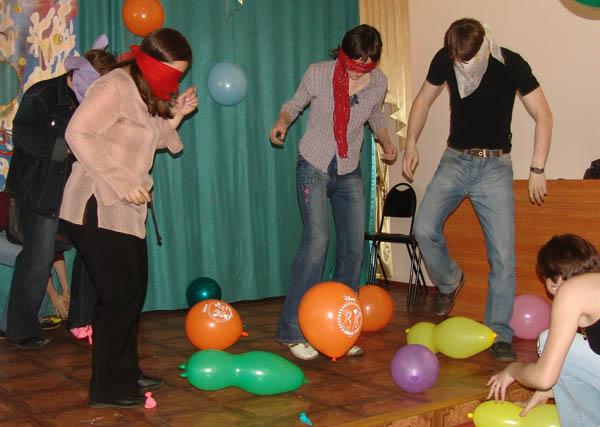 Веселые конкурсы для молодежи на новый год